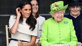 Meghan si s královnou skvěle rozumí.