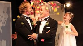 Principál divadla Ungelt Milan Hein 12. srpna uzavřel registrované partnerství se svým dlouholetým přítelem Martinem Šimkem.