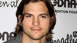 Americký herec Ashton Kutcher.