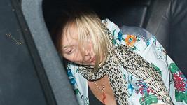 Kate Moss zase přebrala.