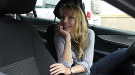Tereza Jelínková si zahrála na taxikářku.