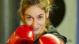 Marta Dancingerová jako boxerka Erika