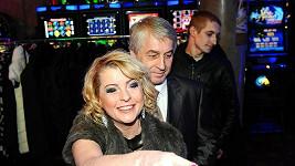Iveta Bartošová se svým přítelem Josefem Rychtářem.