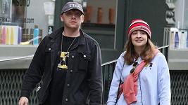 Herci Rupert Grint a Georgina Groome se stali rodiči.