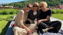 Ivana Jirešová s maminkou a sestrou