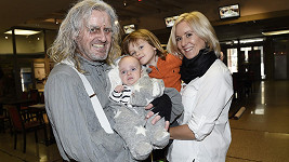 Jovanka Vojtková a Pepa Vojtek s rodinou