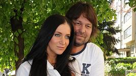 Jiří Pomeje musí ochránit snoubenku Andreu Šťastnou před exekutory.