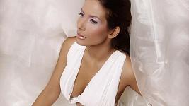 Eva Decastelo je přirozeně krásná.