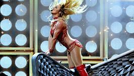 Britney Spears zahájila udílení Billboard Awards grandiozní show.