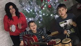 Štědrý den se u zpěvačky Ilony Csákové nesl ve znamení muzicírovaní.