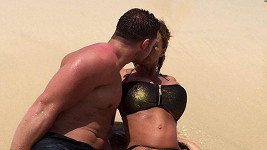 Katie Price s manželem Kieranem Haylerem na dovolené na Kapverdách.