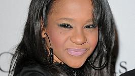 Bobbi Kristina Brownová již zřejmě bojuje se závislostí na drogách stejně jako její matka Whitney Houstonová.