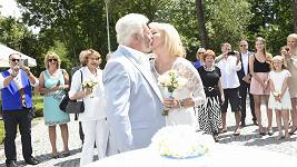 Milan Drobný se dnes potřetí oženil.