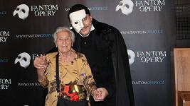 Marian Vojtko přivítal jako Fantom opery fanynku, která oslaví 100. narozeniny
