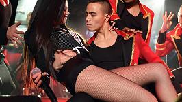 Selena Gomez se svými tanečníky