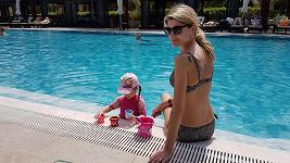 Iveta Vítová si v tuhle chvíli vyhřívá své tělo v Dubaji.