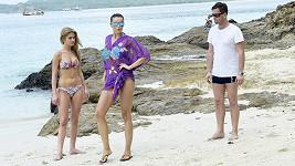 Zkušená modelka ukazovala dívce číslo jedna Kristýně Kubíčkové, jak má chodit po pláži.