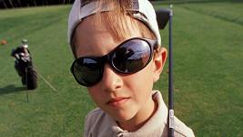 Na děti s golfovou holí v ruce pozor! Ilustrační foto