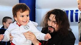 Podoba otce a syna je neskutečná.