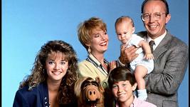 Max Wright (vpravo) v seriálu Alf