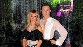 Honza Onder se svou přítelkyní Lucií se do nového roku protančil.....