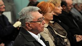 Josef Zíma, Carmen Mayerová a Libuše Švormová na pohřbu Niny Jiránkové