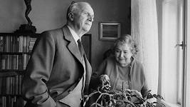 Legendární český herec František Smolík se svou manželkou Miladou. Ve spokojeném manželství žili jednapadesát let.