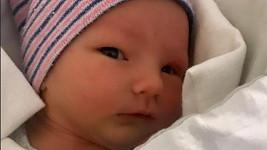 Syn Patrika Hezuckého Oliver je prý po mamince.