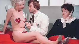 Šlechtickým titulem se již brzy bude honosit i herečka Barbara Windsor (vlevo).