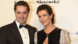 Martin Dejdar může být na manželku pyšný.