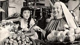 Dva roky před smrtí se Zdenka Baldová potkala s Janou Rybářovou ve filmu Labakan (1956).