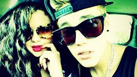 Justin Bieber se Selenou Gomez.