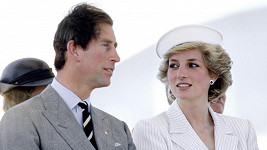 Princ Charles a princezna Diana na snímku z roku 1985
