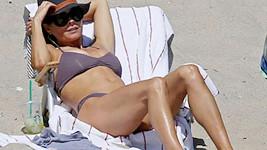 Brooke Burke v Malibu