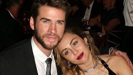 Miley Cyrus datovania Liam