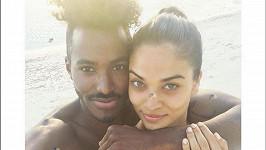 Shanina Shaik a DJ Ruckus jsou zasnoubení.