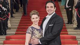 Kateřina Kněžíková a Adam Plachetka na vídeňském Plesu v opeře