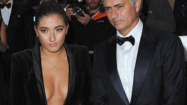 José Mourinho s dcerou Mathildou na udílení GQ Men Of The Year Awards.