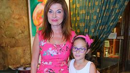 Simona Prasková s osvojenou dcerou Natálkou