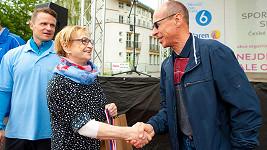 Věra Čáslavská dva týdny po chemoterapii.