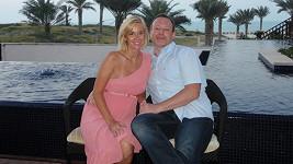 Lucie a Michal strávili dvacet dní v Abú Dhabí. Každý uspořádali nějakou oslavu.