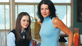 Alexis Bledel a Lauren Graham jako Rory a Lorelai Gilmorovy