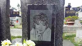 Hroby Věry Špinarové a jejího bratra
