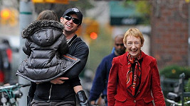 Herec Hugh Jackman má už s matkou Grace pěkný vztah.