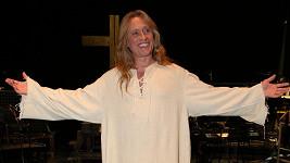 Rocker potisící v roli Ježíše.