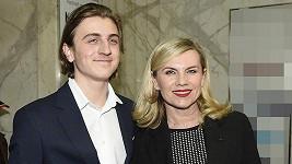 Zpěvačka se svým synem Arturem
