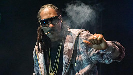 Snoop Dogg není zrovna typickým dědečkem...