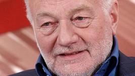 Luděk Sobota jako jeden z komentátorů prvního dílu nového primáckého pořadu.