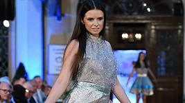 V minulosti prý pracovala jako modelka zejména v Asii.