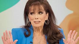 V televizním rozhovoru Jackie Collins sršila energií a vtipem.
